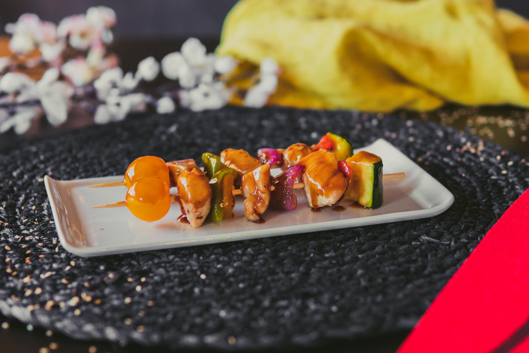 Menú Komokio - Brochetas de pollo teriyaki - Komo, cocina gourmet en tu casa